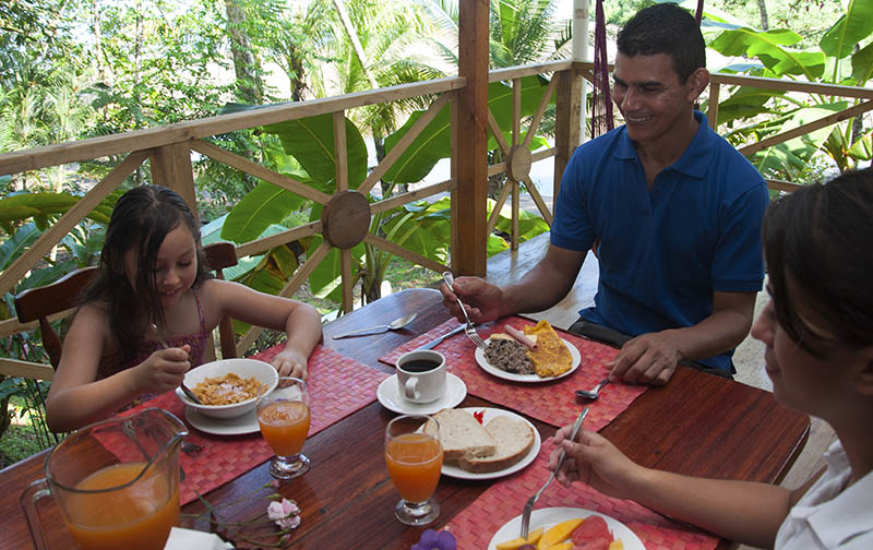 Bed and Breakfast in Drake Bay, Osa Peninsula - Pirate Cove Hotel